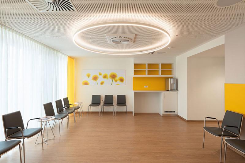 Bildausstattung für Krankenhaus großes Wartezimmer